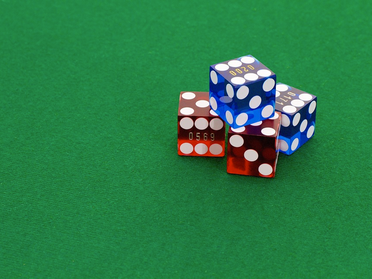 Blog Post - 5 Reasons Why You Should Start Playing Online Casino Games